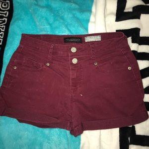 High waisted marron Aeropostale shorts!